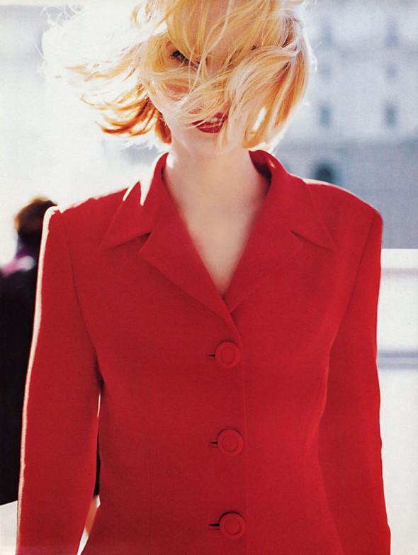 Архивная съёмка: Эмма Балфор для Marie Claire, 1995. Изображение № 6.