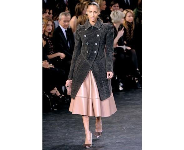 Можно все: Модели на показе Louis Vuitton. Изображение № 27.