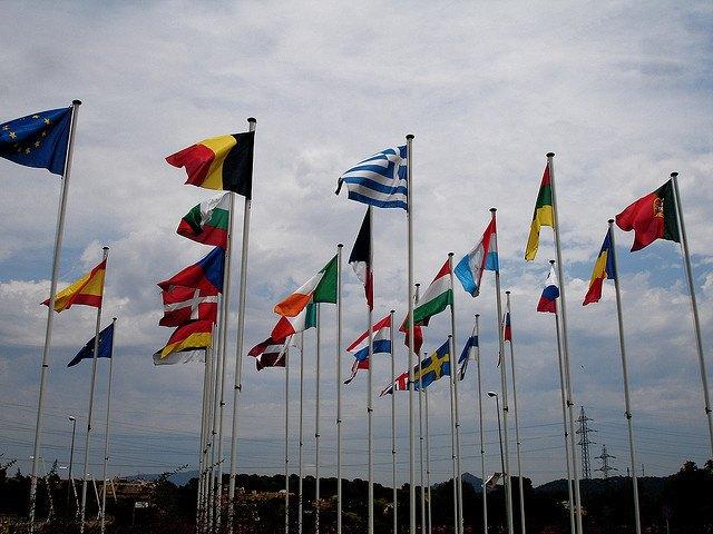 Google добавил в эмодзи 209 новых флагов. Изображение № 1.