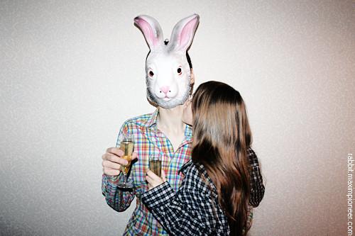 February 14, 2011 @ 18:19 I'm drinking Martini Asti wine with my girlfriend at home. Happy Valentine's Day!. Изображение № 1.