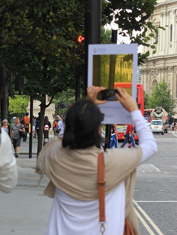 Художник перенёс Instagram на улицы города. Изображение № 3.