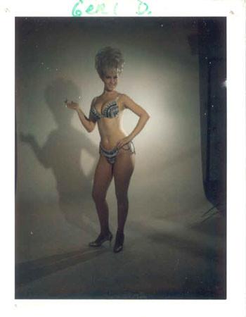 Изображение 32. Стриптиз,Polaroid и60-е годы.. Изображение № 32.