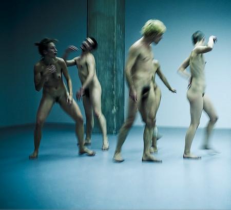 Танцы голыми фото