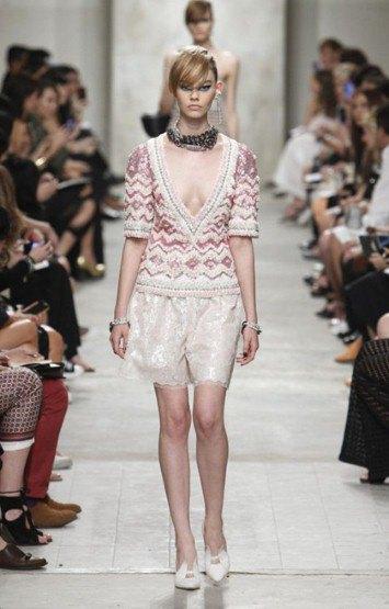 Chanel показали круизную коллекцию в Сингапуре. Изображение № 3.