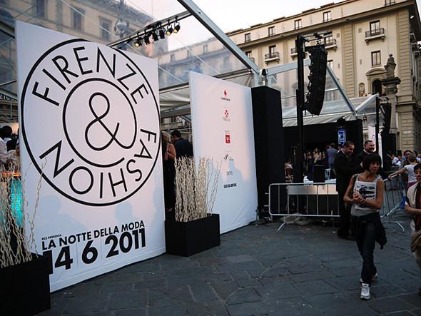 Изображение 14. Pitti Uomo, часть 1: дизайнерские павильоны и красиво одетые мужчины.. Изображение № 25.