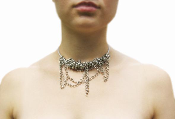 Ожерелья из цепей гаек и сантехнического шнура. Часть1. Изображение № 18.