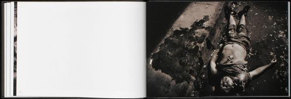 Закон и беспорядок: 10 фотоальбомов о преступниках и преступлениях. Изображение № 32.