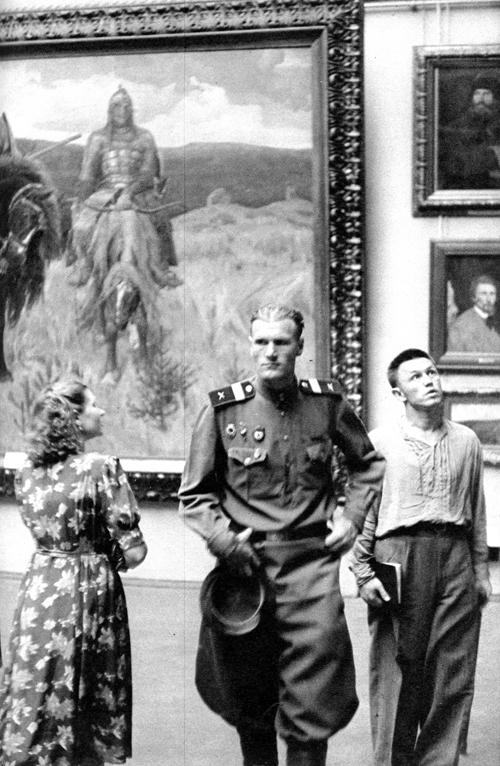 Советская Москва глазами Анри Картье-Брессона. Изображение № 7.
