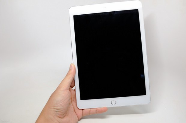 Утечка дня: якобы подлинные фото нового iPad. Изображение № 1.