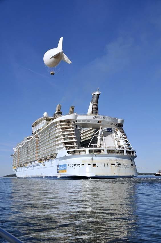 """Крупнейший вмире круизный лайнер """"Oasis ofthe Seas"""". Изображение № 11."""