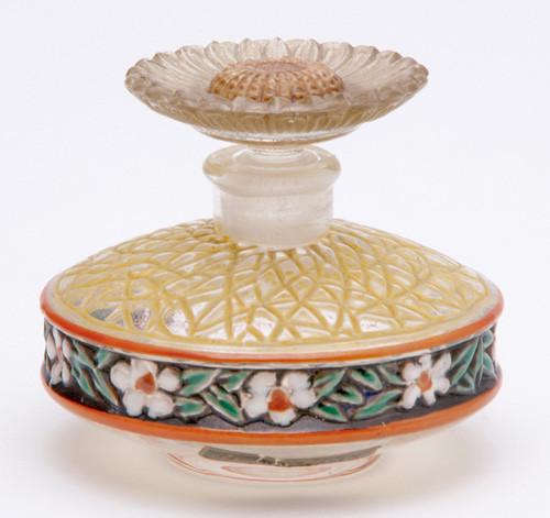 Самые красивые флаконы парфюма. Изображение № 20.