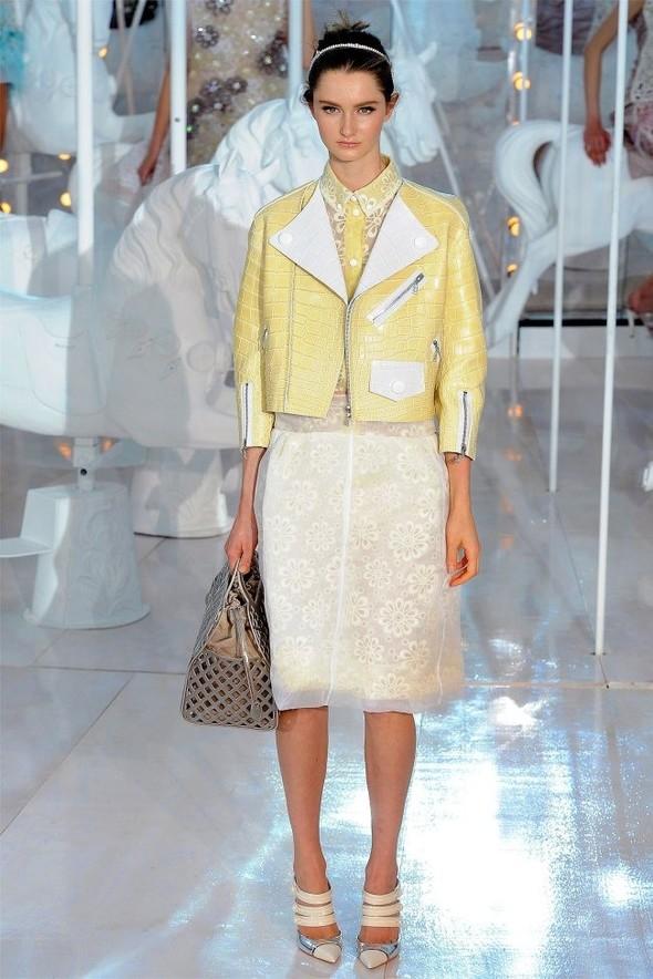 Неделя моды в Париже: Louis Vuitton весна 2012. Изображение № 28.