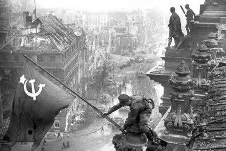 Евгений Халдей – знаменитый фоторепортер войны. Изображение № 24.