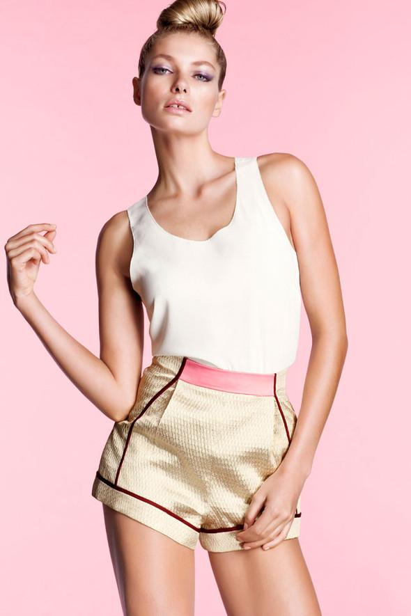 Джессика Харт в рекламе H&M. Изображение № 2.