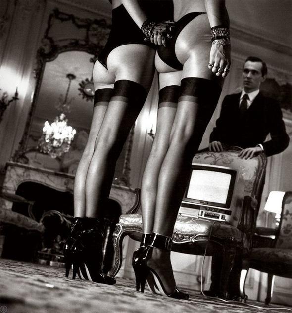 Helmut Newton-гурман женской плоти. Изображение № 29.