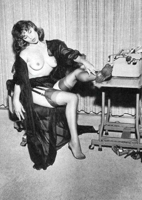 Retro Erotic. Изображение № 15.