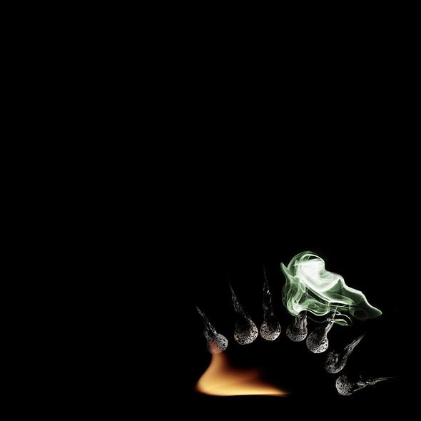 Картины из горящих спичек. Изображение № 18.