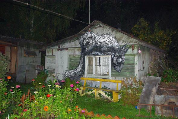 Животный стрит-арт от бельгийского граффитчика ROA. Изображение № 29.