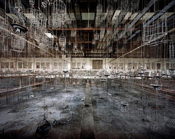 Найдено за неделю: Световая каллиграфия, натюрморты в одном тоне и панорамы разрушенных зданий. Изображение № 67.