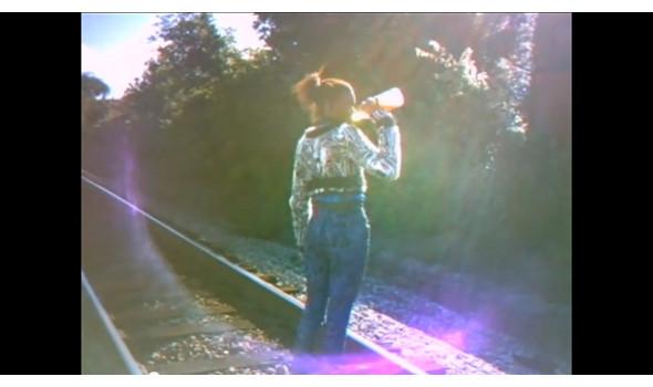 Кадры из фильма «Веди ся как дурак» Хармони Корина . Изображение № 38.
