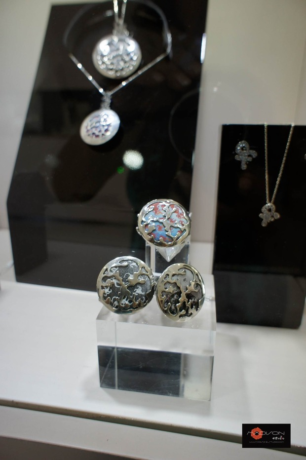 открытие корнера Amova Jewelry в бутике Gomez y Molina в Марбелье, Исп. Изображение № 5.