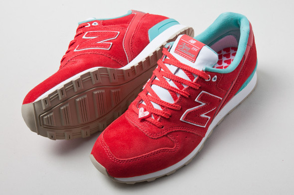 NEW BALANCE 996 HAPPY VALENTINES DAY. Изображение № 8.