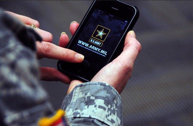 Призывникам запретили брать в армию iPhone (обновлено). Изображение № 1.