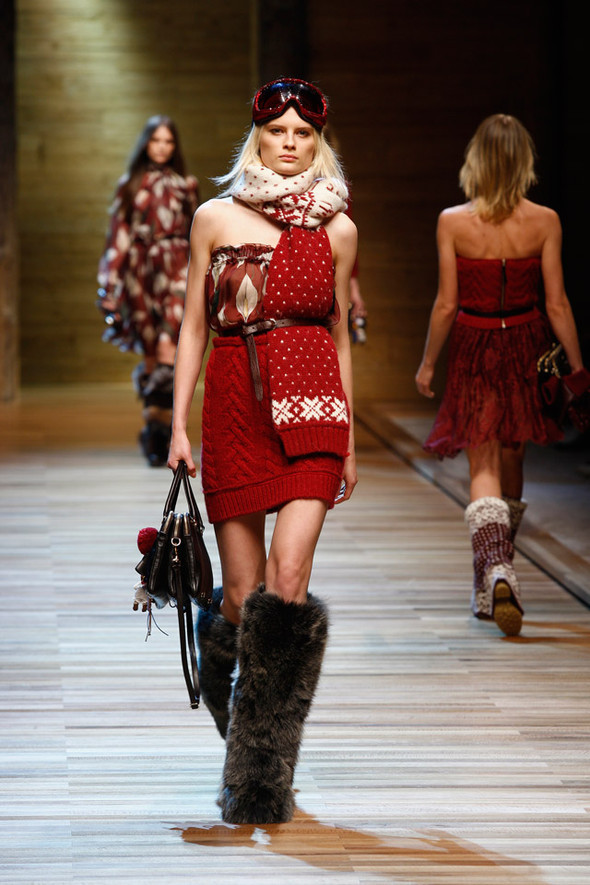 Dolce & Gabbana Fashion Show Winter 2011. Изображение № 7.