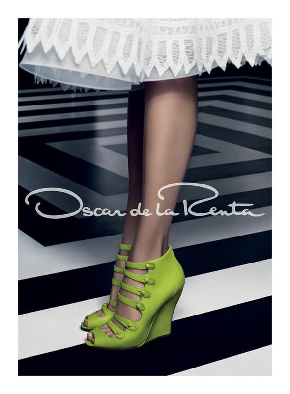 Кампания: Карли Клосс для Oscar de la Renta SS 2012. Изображение № 7.