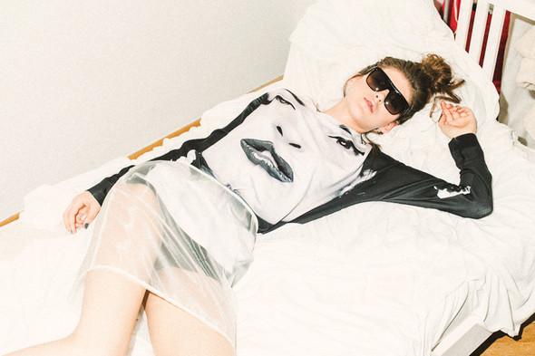 Фотограф: Эрик Панов; модель: Маша Кудрявая; мейк и прически: Таня Симоненко; продюсер: Андрей Исакин.  . Изображение №4.