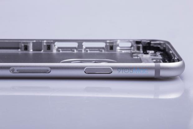 Выложены фото якобы подлинной тыльной стороны iPhone 6s. Изображение № 11.
