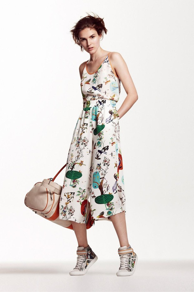 A.P.C., Chanel, MM6, Mother of Pearl, Paule Ka и Yang Li выпустили новые лукбуки. Изображение № 74.