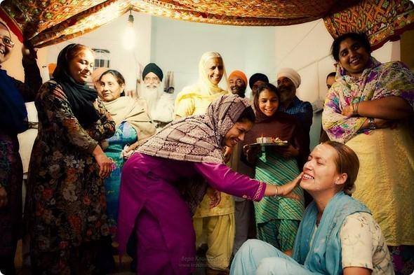 Надя иЧаранджит – Индийская сказка. Изображение № 12.