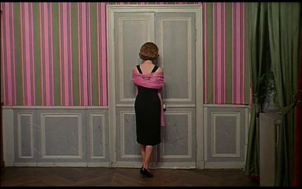 Movie-Looks: «Шербурские зонтики». Изображение № 25.