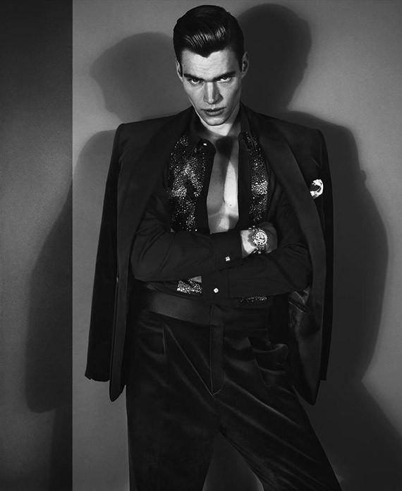 Кампании: Dior, Versace, Gucci и Burberry. Изображение № 42.