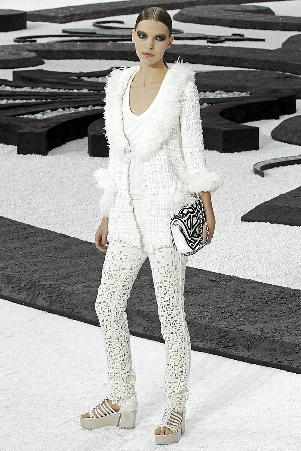 Карл Лагерфельд показал одну из самых красивых коллекций, когда-либо созданных для Chanel. Изображение № 48.