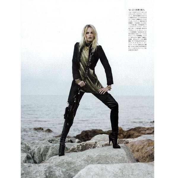 Новые съемки: Numero, Playing Fashion, Tangent и Vogue. Изображение № 45.