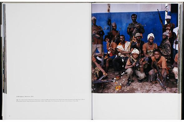 12 альбомов фотографий непривычной Африки. Изображение № 116.
