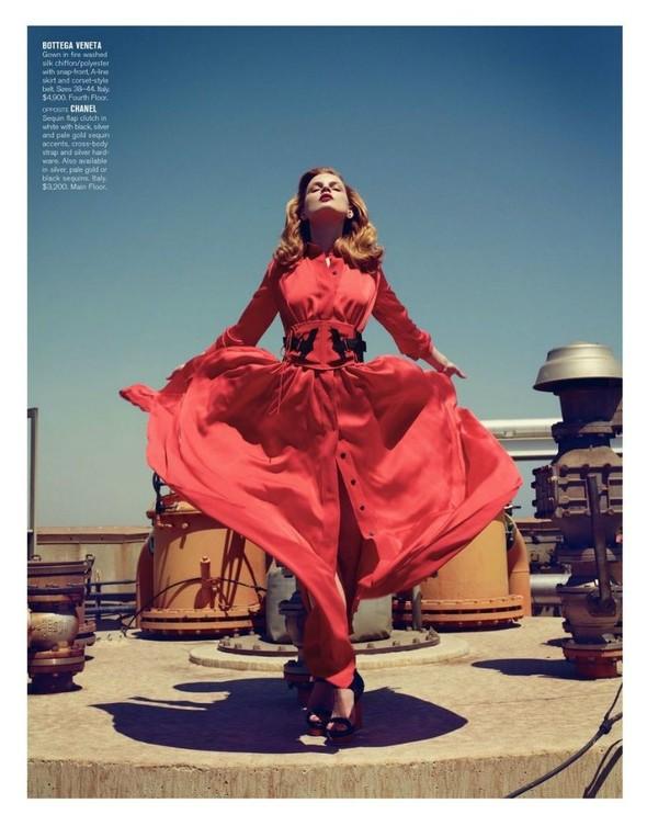 Съёмка: Жиневье ван Синус для Bergdorf Goodman. Изображение № 5.