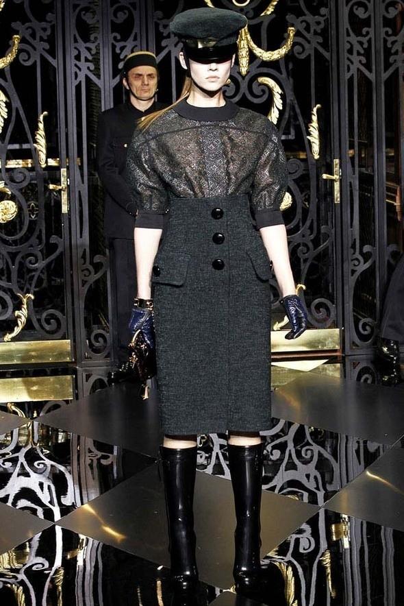 Изображение 33. Louis Vuitton Fall 2011.. Изображение № 33.