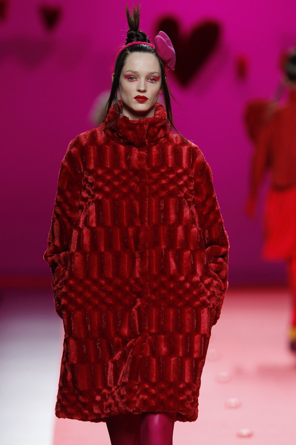 Испанцы Fall Winter 2011/2012: AGATHA RUIZ DE LA PRADA. Изображение № 2.