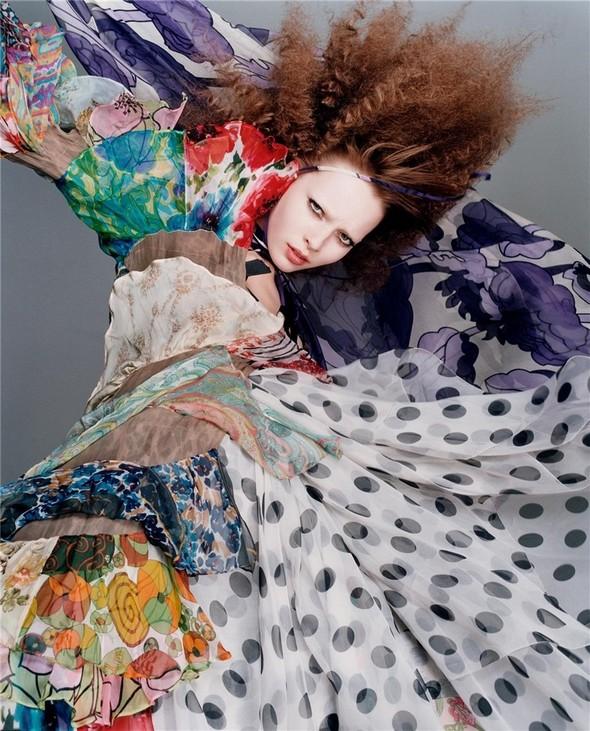 Архивная съёмка: Сольве Сундсбо и Полина Куклина для V, 2004. Изображение № 3.
