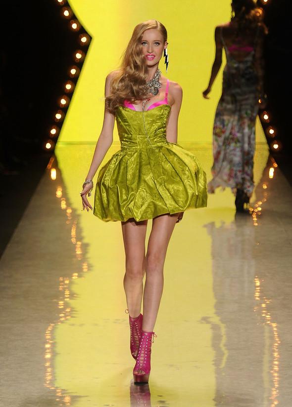 New York Fashion Week: Betsey Johnson Spring 2012. Изображение № 84.