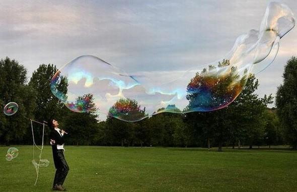 Самый большой вмире мыльный пузырь. Изображение № 6.