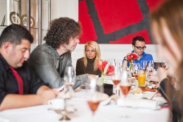 Вон Вонни поговорил с друзьями за завтраком о русской моде и Нью-Йорке. Изображение № 1.