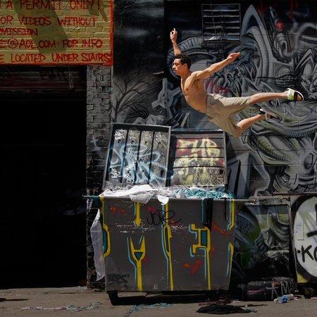 Человек танцующий. Изображение № 3.