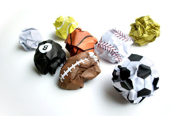 Бумажные мячи и книга, дающая огонь. Изображение № 4.