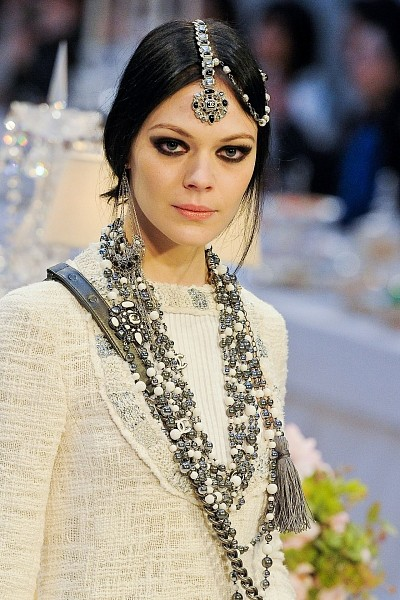 Детали с показа Chanel Pre-Fall 2012. Изображение № 2.