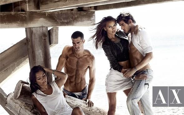 Рекламная кампания Armani Exchange весна-лето 2010. Изображение № 2.