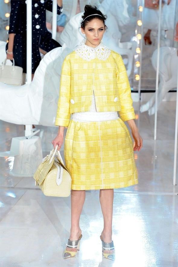 Неделя моды в Париже: Louis Vuitton весна 2012. Изображение № 5.